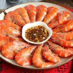 Cách luộc tôm đúng cách sẽ không tanh mà đảm bảo dinh dưỡng món ăn.