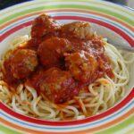 Cách làm mì Ý sốt cà chua và thịt viên gà