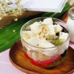 Cách nấu chè khúc bạch sầu riêng thơm ngon, lạ miệng.