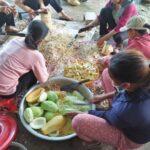 Người dân Hà Tĩnh gom từng bát gạo, quả bí hỗ trợ TP.HCM